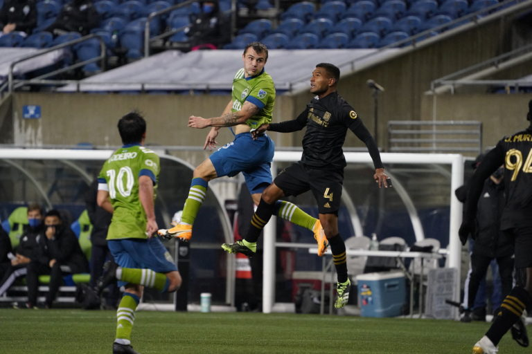 Seattle dismantles LAFC 3-1, move on in MLS Cup Playoffs