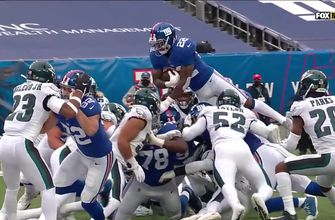 Giants RB Wayne Gallman scores twice on fourth and goal to power 27-17 victory