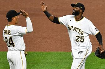 Pirates tag Zach Davies for seven second-inning runs en route to 8-2 win over Cubs
