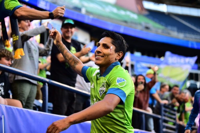 Sounders blank Dynamo at home, 2-0