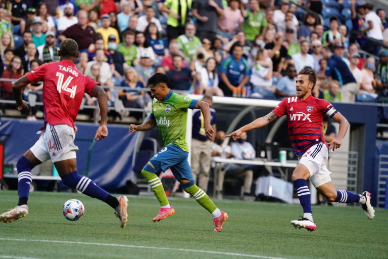 Sounders give up late goal, draw with FC Dallas 1-1