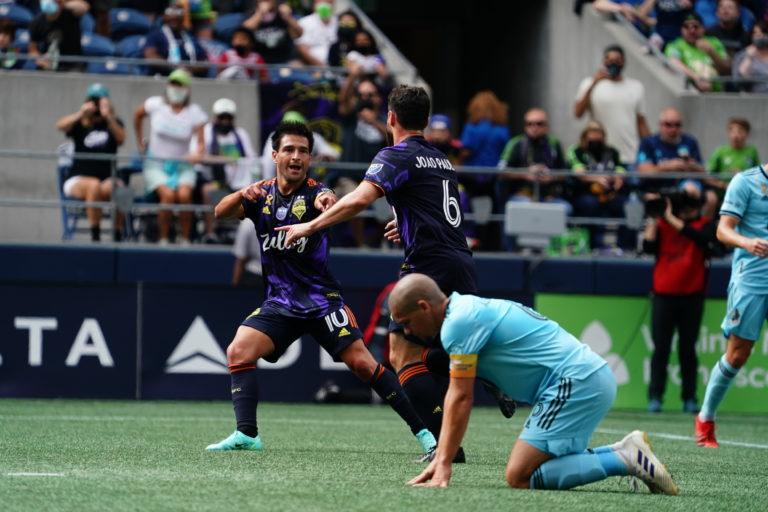 Sounders end home woes, take down Loons 1-0