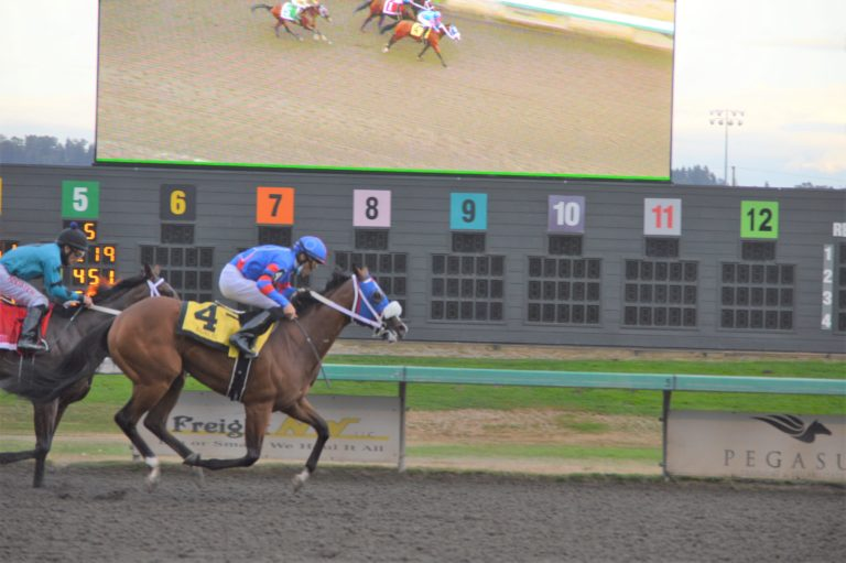 Emerald Downs: Indian Relays and Wash Cup for the Girls and Boys